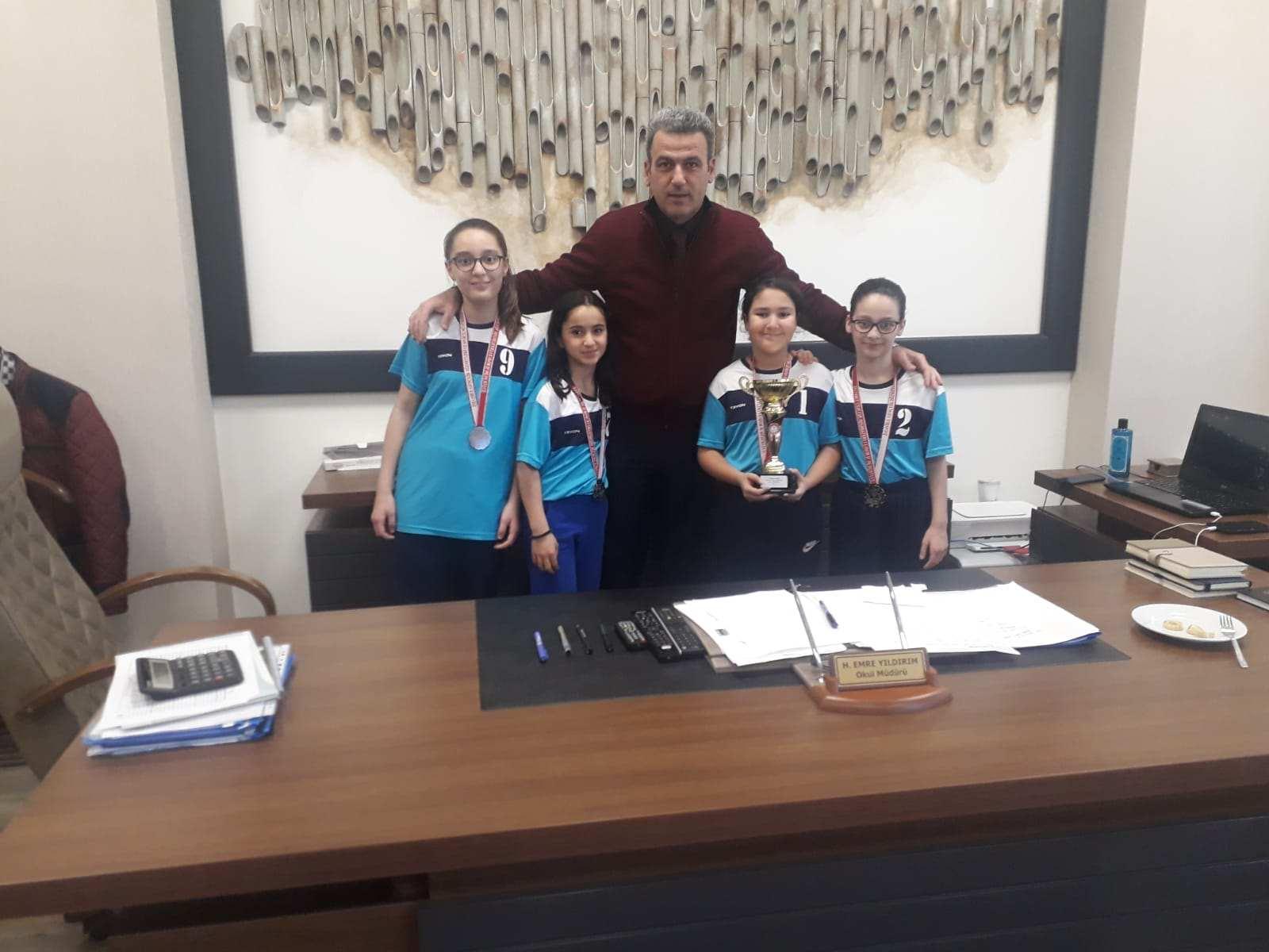 2019-2020 Milli Eğitim Bakanlığı Okullar Arası Badminton İstanbul İl Müsabakasında Okulumuz İl 2'ncisi Oldu.