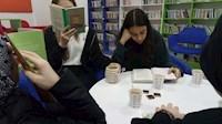 """9.SINIFLAR HER CUMA """"COFFEE-BOOK TIME"""" ETKİNLİĞİ YAPIYOR"""